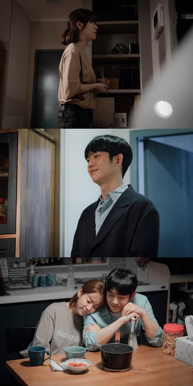 Lơ đẹp lời bố, Han Ji Min vẫn cho khán giả no thính với khoảnh khắc tình bể bình bên Jung Hae In trong tập 11 Đêm Xuân - Ảnh 7.