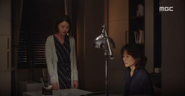 Lơ đẹp lời bố, Han Ji Min vẫn cho khán giả no thính với khoảnh khắc tình bể bình bên Jung Hae In trong tập 11 Đêm Xuân - Ảnh 8.