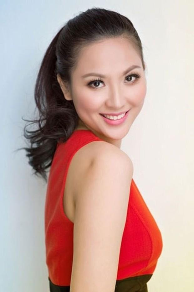 Soi đường học vấn của các Hoa hậu Việt: Đỗ Mỹ Linh hạnh phúc nhận tấm bằng vẻ vang, Kỳ Duyên tốt nghiệp hay chưa vẫn là dấu hỏi lớn - Ảnh 5.