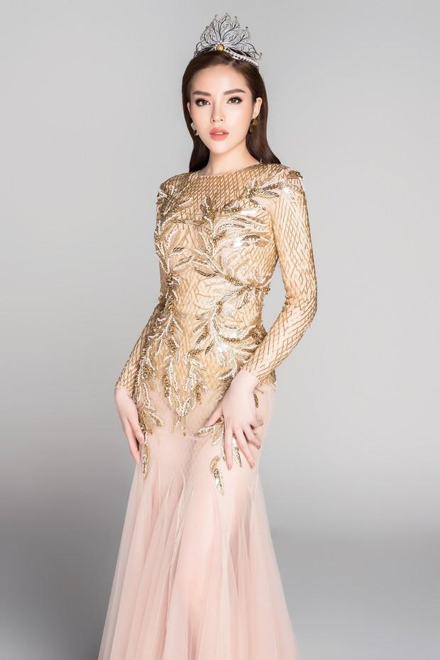 Soi đường học vấn của các Hoa hậu Việt: Đỗ Mỹ Linh hạnh phúc nhận tấm bằng vẻ vang, Kỳ Duyên tốt nghiệp hay chưa vẫn là dấu hỏi lớn - Ảnh 8.