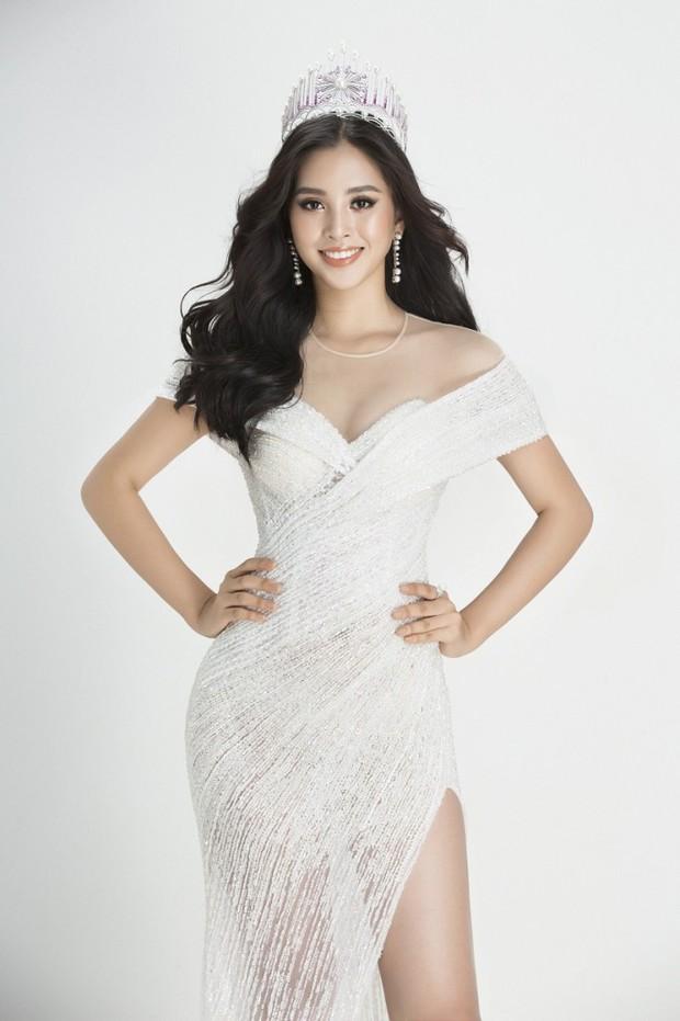 Soi đường học vấn của các Hoa hậu Việt: Đỗ Mỹ Linh hạnh phúc nhận tấm bằng vẻ vang, Kỳ Duyên tốt nghiệp hay chưa vẫn là dấu hỏi lớn - Ảnh 10.