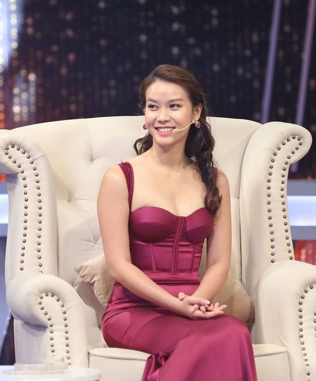 Người ấy là ai: Hương Giang, Trấn Thành tranh luận về việc yêu xa - Ảnh 2.