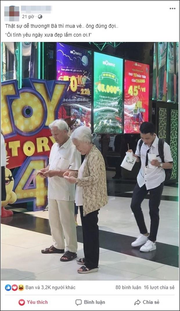 Ngọt lịm hình ảnh cụ ông và cụ bà dẫn nhau đi xem phim, dân mạng trầm trồ ao ước một tình yêu ông bà anh như thế - Ảnh 1.