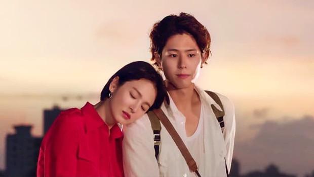 Park Bo Gum bị đồn phim giả tình thật với Song Hye Kyo, loạt khoảnh khắc ngọt lịm Encounter lại bị đào lên! - Ảnh 5.