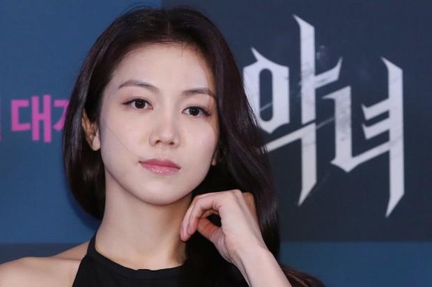 Toàn cảnh cuộc ly hôn của Song Hye Kyo và Song Joong Ki: Tin đồn ngoại tình, tiểu tam và những phản hồi hời hợt - Ảnh 7.