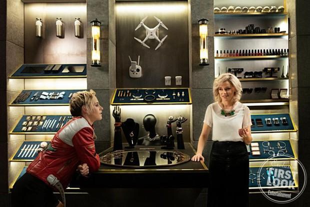 Thấy Kristen Stewart tóc dài cứ sai sai, ai ngờ chị giả lộ đánh đấm túi bụi trong trailer Charlie's Angels phiên bản remake - Ảnh 12.