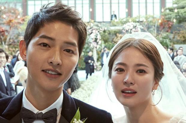 Những lời tiên đoán không trượt phát nào về cặp đôi Song Joong Ki - Song Hye Kyo từ 2 năm trước - Ảnh 1.