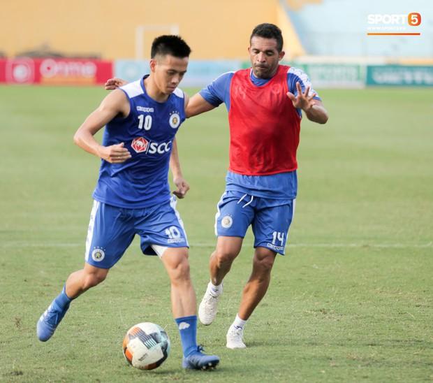 Bùi Tiến Dũng rộng cửa bắt chính cho Hà Nội FC tại Cup Quốc gia 2019 - Ảnh 7.