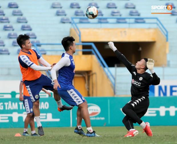 Bùi Tiến Dũng rộng cửa bắt chính cho Hà Nội FC tại Cup Quốc gia 2019 - Ảnh 3.
