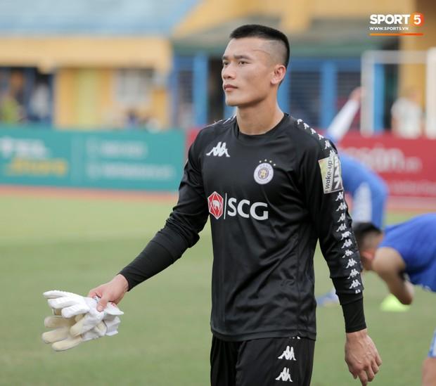 Bùi Tiến Dũng rộng cửa bắt chính cho Hà Nội FC tại Cup Quốc gia 2019 - Ảnh 1.