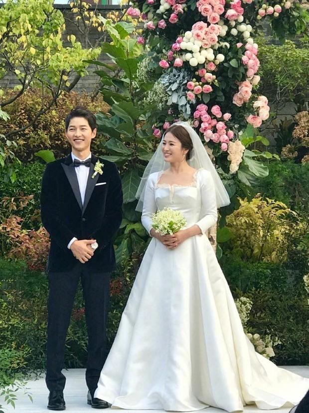 Sức công phá của từ khoá Song Joong Ki - Song Hye Kyo ly hôn với con số giật mình khiến truyền thông châu Á sôi sục - Ảnh 1.
