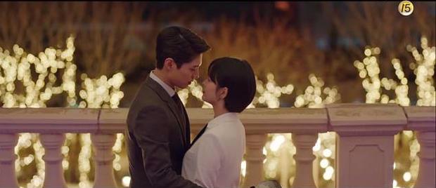 Park Bo Gum bị đồn phim giả tình thật với Song Hye Kyo, loạt khoảnh khắc ngọt lịm Encounter lại bị đào lên! - Ảnh 18.