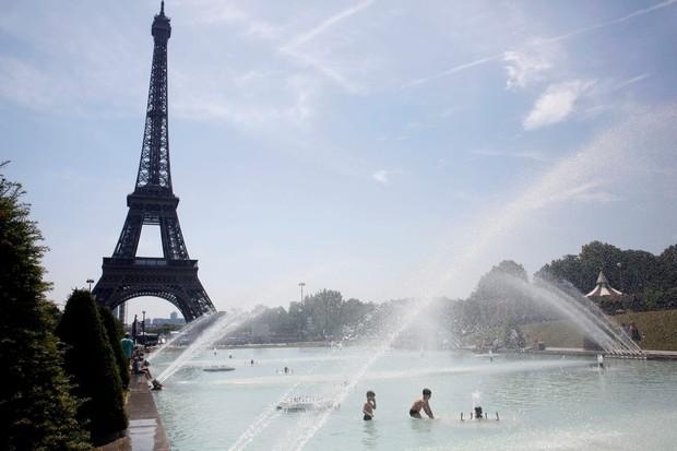 Pháp tìm cách tránh thảm kịch 15.000 người chết vì nắng nóng năm 2003 - Ảnh 2.