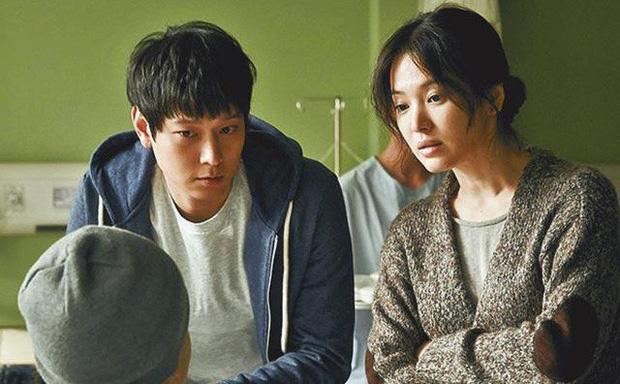 Sự nghiệp Song Hye Kyo: Trùm phim giả tình thật, chuyện tình nào cũng đẹp nhưng kết thúc chóng vánh - Ảnh 12.