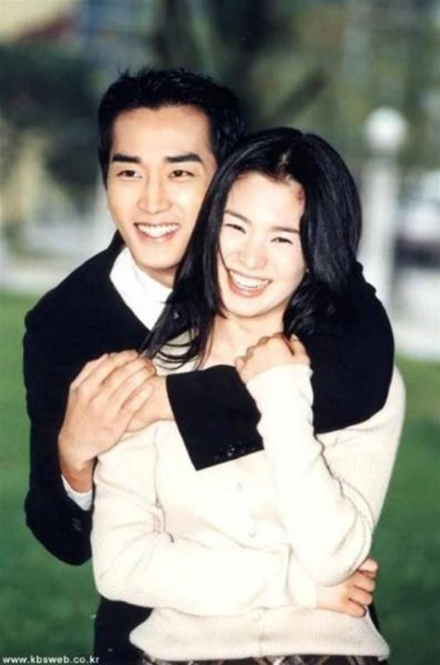 Sự nghiệp Song Hye Kyo: Trùm phim giả tình thật, chuyện tình nào cũng đẹp nhưng kết thúc chóng vánh - Ảnh 1.