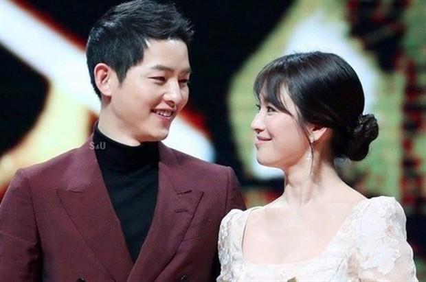 Li hôn từ phim ra tới đời thực, Song Hye Kyo chứng minh phim vận vào đời là có thật! - Ảnh 1.