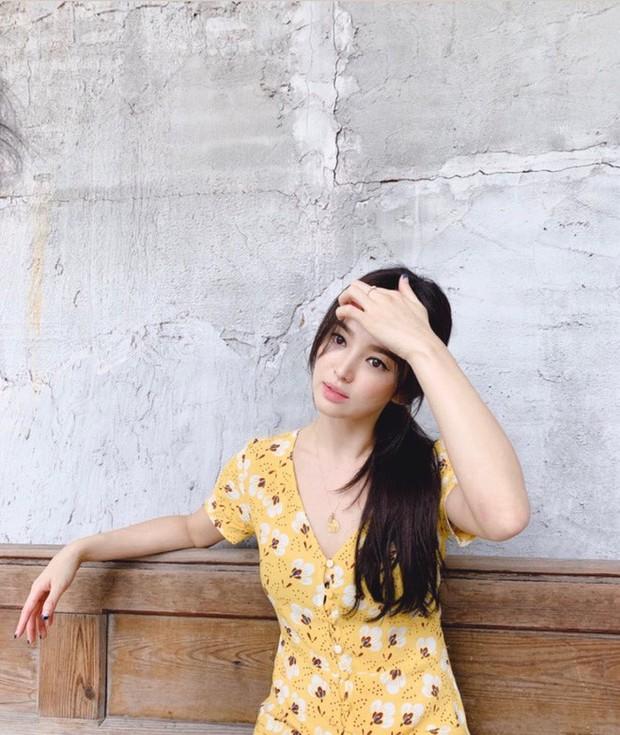 Ảnh hiếm của Song Hye Kyo 1 ngày trước khi chồng đệ đơn ly hôn: Chị vẫn đẹp nhưng biểu cảm đúng là đáng chú ý - Ảnh 2.