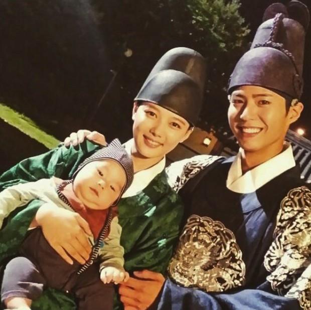 3 bạn diễn của Park Bo Gum mà ai nấy đẩy thuyền kịch liệt, trái ngược với tin đồn phim giả tình thật với Song Hye Kyo - Ảnh 9.