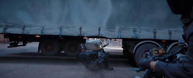 Chạy xe tốc độ bàn thờ như trailer Fast & Furious: Hobbs & Shaw thì ninja lead cũng gọi bằng cụ! - Ảnh 4.