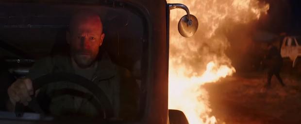 Chạy xe tốc độ bàn thờ như trailer Fast & Furious: Hobbs & Shaw thì ninja lead cũng gọi bằng cụ! - Ảnh 6.