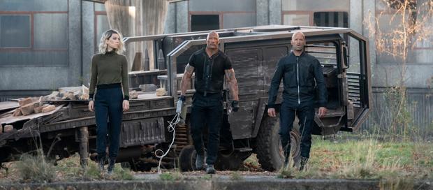 Chạy xe tốc độ bàn thờ như trailer Fast & Furious: Hobbs & Shaw thì ninja lead cũng gọi bằng cụ! - Ảnh 8.
