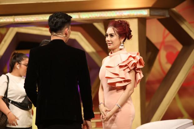 """Chồng Lâm Khánh Chi tiết lộ bị bà xã """"bỏ bê"""" chuyện chăn gối - Ảnh 3."""