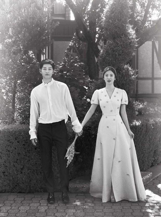 Đau lòng nhất hôm nay: 2 ngày sau khi đệ đơn ly hôn, Song Hye Kyo vẫn giữ bức ảnh cưới 4 triệu like từ 2 năm trước - Ảnh 6.