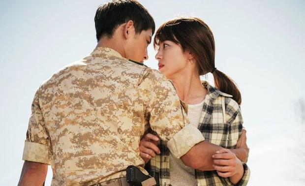 Song Joong Ki: Kẻ si theo đuổi nàng thơ, bao nỗ lực níu kéo kết lại bằng lá đơn ly dị bị cả thế giới chê trách - Ảnh 5.