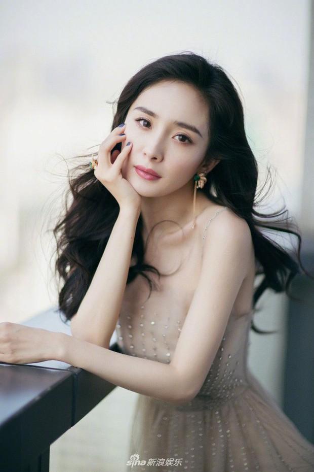 """Dương Mịch: """"Nữ hoàng rating"""" đang thất thế kiêm cô gái vàng trong làng nhận """"chổi""""? - Ảnh 29."""