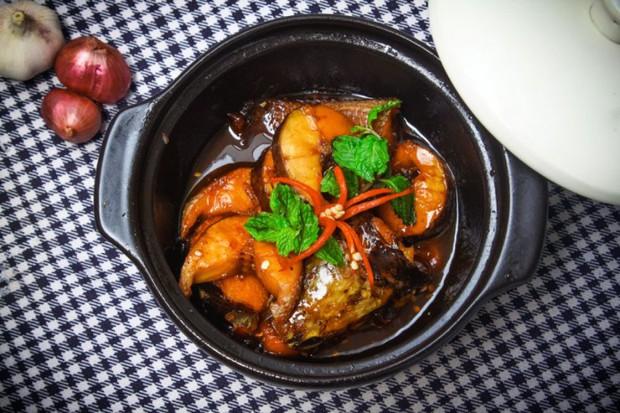 Khi mẹ bạn nấu có một món nhưng phải rửa cả bồn: đừng phàn nàn vì đó là một điều kì diệu của ẩm thực Việt Nam - Ảnh 3.