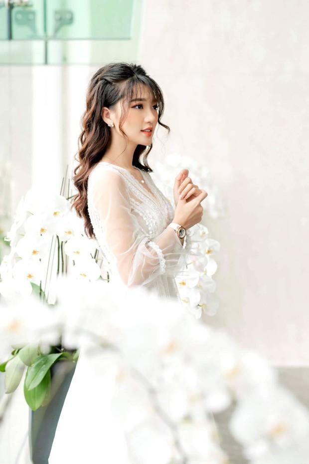 Bạn gái tin đồn của Phan Văn Đức diện váy cưới, thả thính siêu ngọt ngào: Anh muốn về nhà với em không? - Ảnh 6.