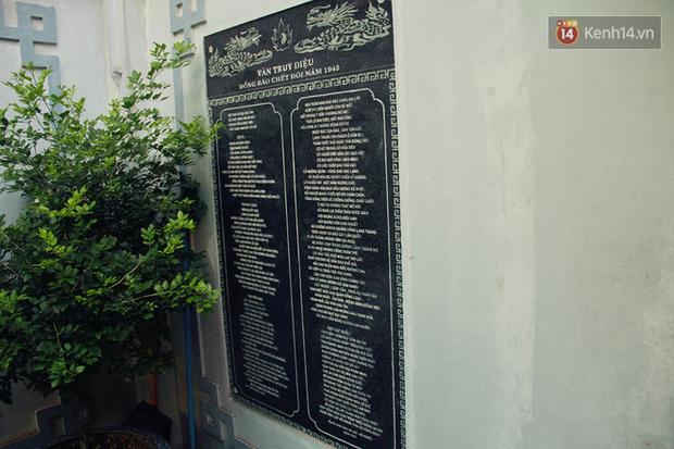 Người đàn ông 14 năm thắp hương trong khu nhà đói giữa Hà Nội: Tôi trông coi đồng bào, không ai cấm được - Ảnh 5.