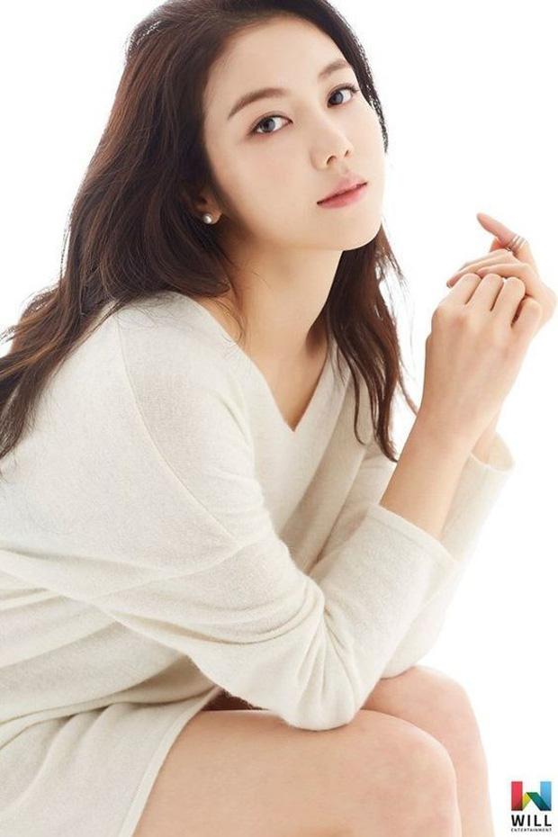 """Rộ tin đồn gây sốc: Song Joong Ki bị bắt gặp hẹn hò """"tiểu tam"""" Kim Ok Bin đúng dịp Valentine, ở chung phòng khi quay phim - Ảnh 5."""