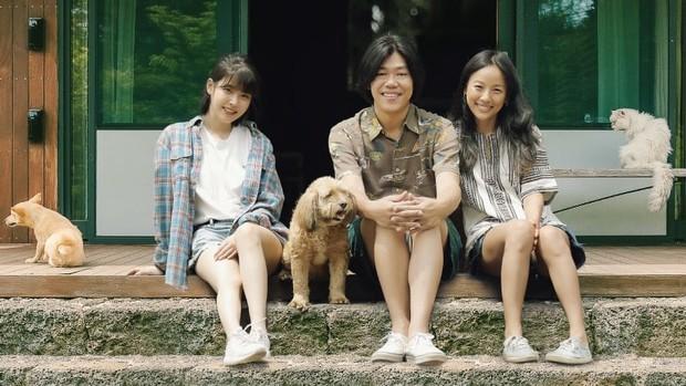 Giữa Kbiz, một cặp đôi đâu cần ngôn tình vẫn bền 6 năm: Nữ hoàng Lee Hyori bỏ ngai vàng ở bên anh nhạc sĩ nghèo xấu xí - Ảnh 2.