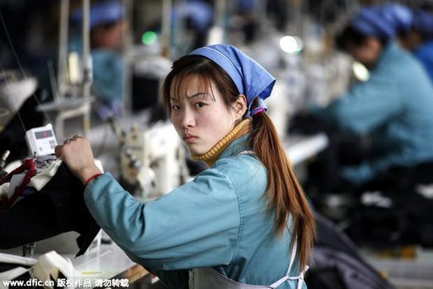 Bắc Kinh (Trung Quốc) cấm doanh nghiệp viện cớ để ít tuyển lao động nữ - Ảnh 1.