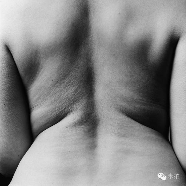 Bộ ảnh khỏa thân biết nói: Đằng sau sự trần trụi của da thịt là những câu chuyện chẳng mấy ai hiểu được cho phận đàn bà - Ảnh 2.