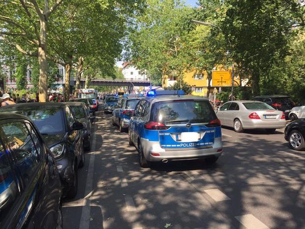 Châu Âu đang nóng đến vẹo cả xe đạp, dân tình nháo nhào tìm cách giải nhiệt - Ảnh 6.