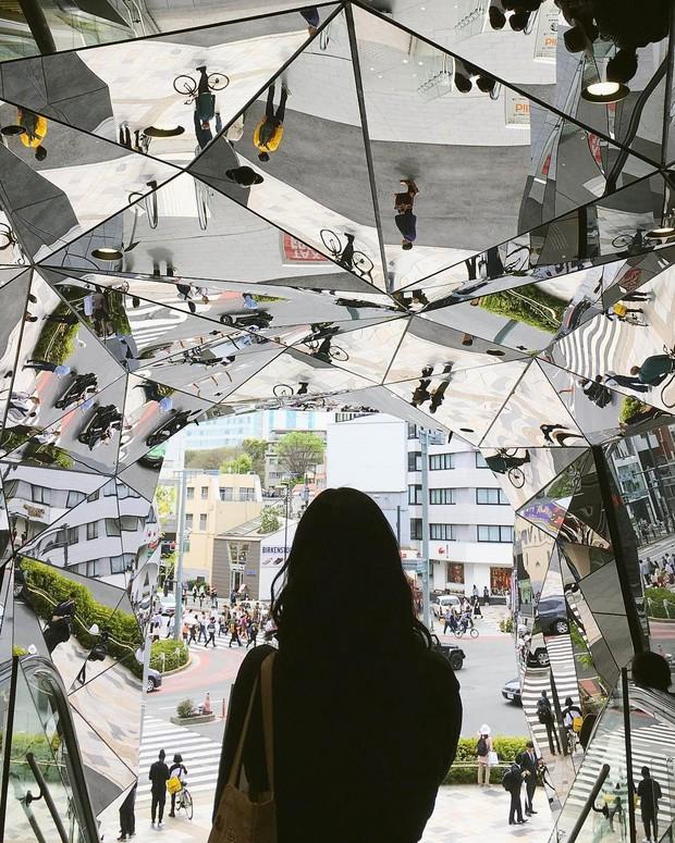 Vòm kính ảo diệu tại trung tâm thương mại nổi tiếng ở Tokyo đang là background sống ảo chiếm trọn mặt trận Instagram - Ảnh 9.