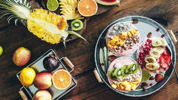 Nghệ thuật ăn uống mùa nóng: không phải cứ đồ lạnh thì sẽ hạ nhiệt và một số nguyên tắc cần biết khác - Ảnh 1.