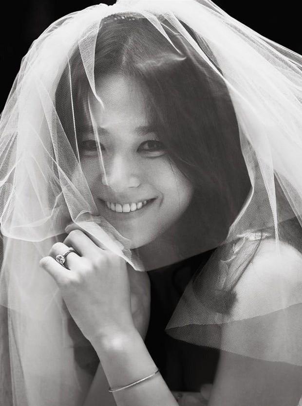 Chia tay Song Joong Ki, Song Hye Kyo còn lại gì ngoài gia tài truyền hình trứ danh? - Ảnh 20.