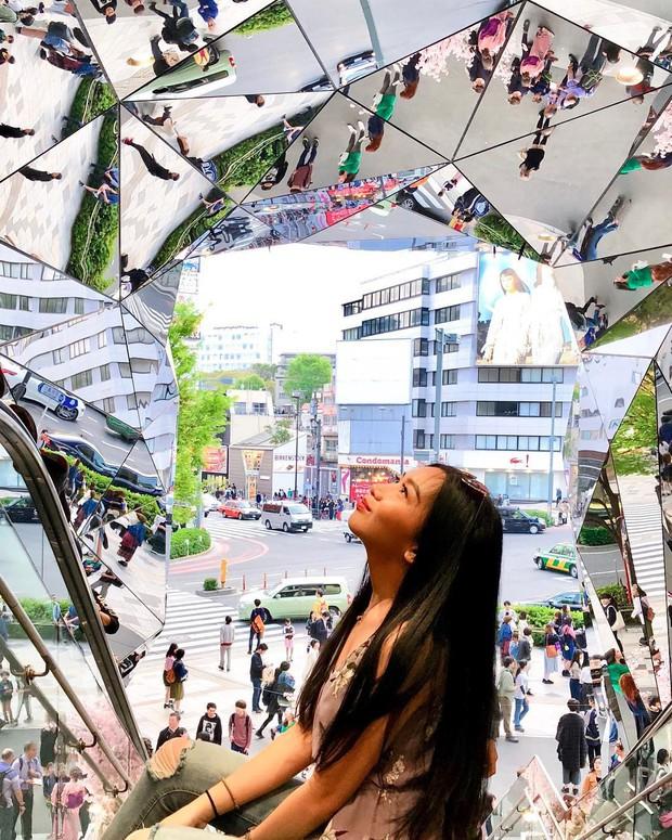 Vòm kính ảo diệu tại trung tâm thương mại nổi tiếng ở Tokyo đang là background sống ảo chiếm trọn mặt trận Instagram - Ảnh 11.