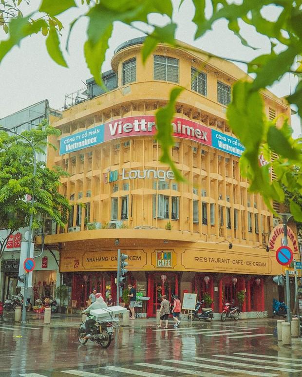 Nhìn lại một chút Ciao Cafe - biểu tượng quen thuộc trên phố đi bộ Nguyễn Huệ, chứa đựng biết bao kỷ niệm thân thương của giới trẻ Sài Gòn trước khi đóng cửa - Ảnh 1.