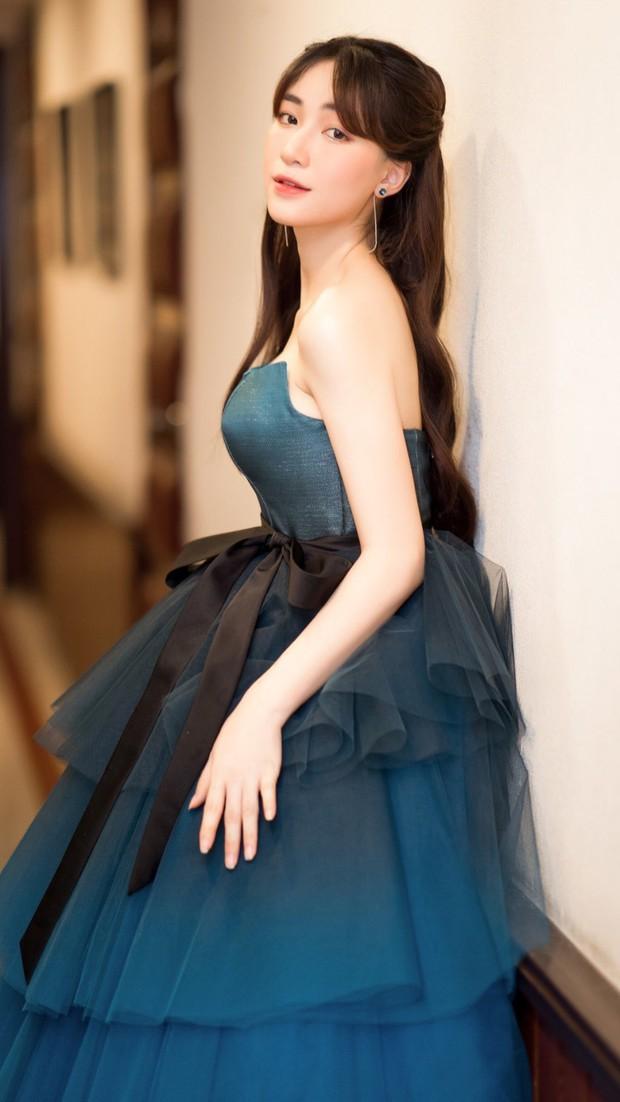 Diện váy công chúa nhưng không may bị đứt khóa, Hòa Minzy đã có cách ứng biến tinh tế khiến ít ai nhận ra - Ảnh 5.
