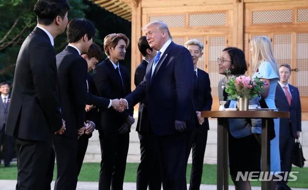 EXO gây náo loạn khi đến dự tiệc cùng Tổng thống Mỹ và Tổng thống Hàn tại Nhà Xanh: Visual quá đỉnh! - Ảnh 3.