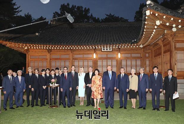 EXO gây náo loạn khi đến dự tiệc cùng Tổng thống Mỹ và Tổng thống Hàn tại Nhà Xanh: Visual quá đỉnh! - Ảnh 7.