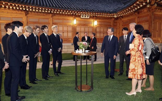 EXO gây náo loạn khi đến dự tiệc cùng Tổng thống Mỹ và Tổng thống Hàn tại Nhà Xanh: Visual quá đỉnh! - Ảnh 6.