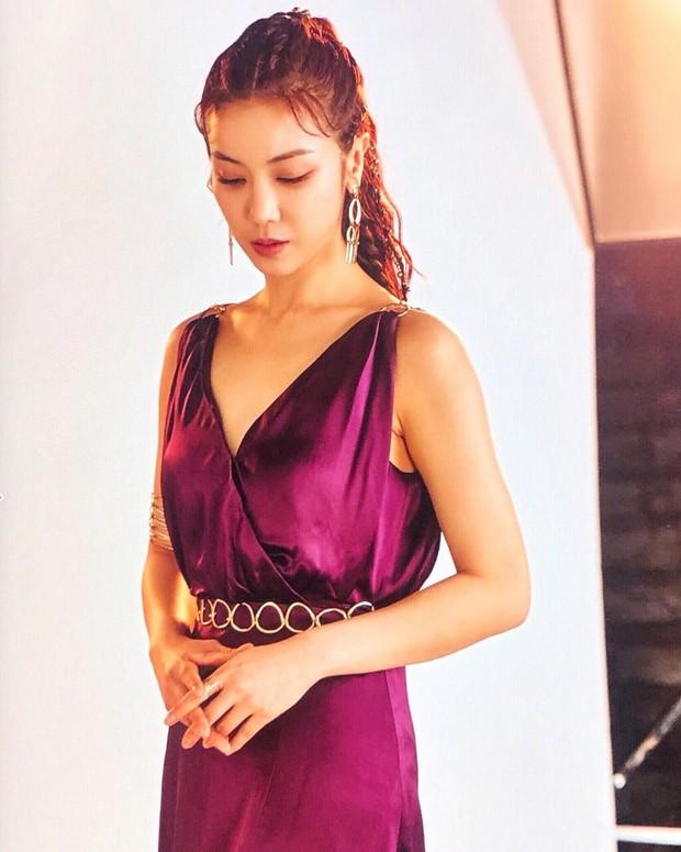 Bị đồn là tiểu tam xen giữa Song Song, mỹ nhân Kim Ok Bin có động thái suốt 2 ngày qua và bị fan Việt khủng bố - Ảnh 1.