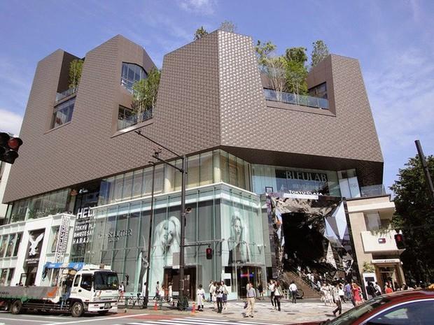 Vòm kính ảo diệu tại trung tâm thương mại nổi tiếng ở Tokyo đang là background sống ảo chiếm trọn mặt trận Instagram - Ảnh 1.