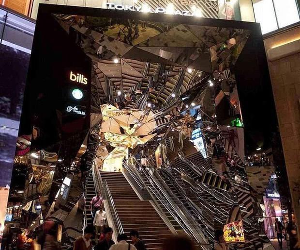 Vòm kính ảo diệu tại trung tâm thương mại nổi tiếng ở Tokyo đang là background sống ảo chiếm trọn mặt trận Instagram - Ảnh 2.