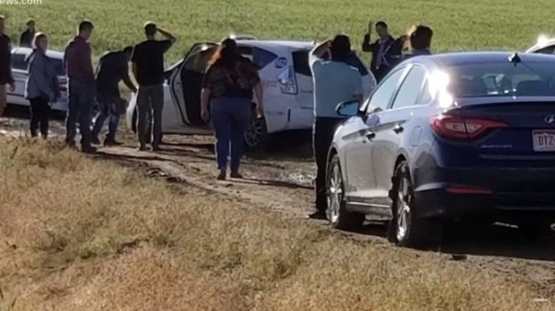 Đặt niềm tin vào Google Maps, hơn 100 người phải trả giá vì mắc kẹt giữa đường lầy - Ảnh 1.